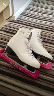 SFR Galaxy Size 8 Ice Skates With Blade Guards And Bag