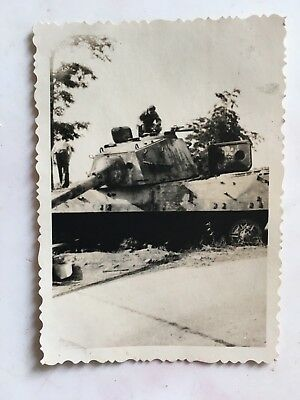 original WWII PHOTO OF WRECKED GERMAN TANK #3