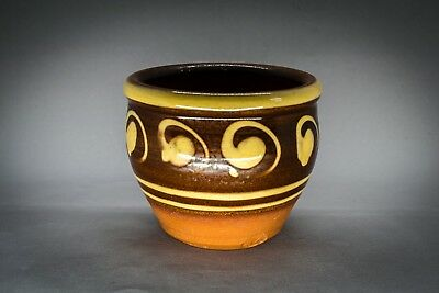 Peter Dick Coxwold Pottery stoneware slip decorated plant pot 8.5 cm high