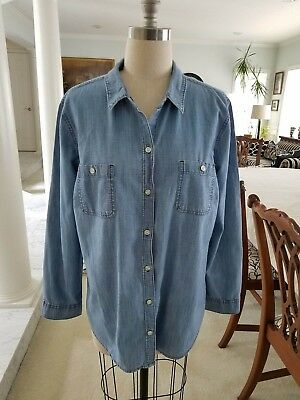 d5d27b49 Old Navy Classic Chambray Button Up Blouse / LS Shirt; Mid Tone Blue Size XL