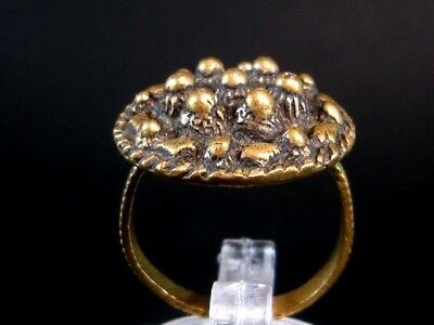 Impressive, Vintage Bronze Filigree Lady Ring !!!