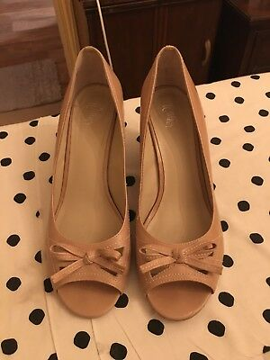 """Ladies Nude size 41 Wittner """"Bamboo"""" Pumps"""