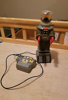 1998 Rc Remote Control Lost In Space B-9 Robot Toy Figure Forward Backward Arms