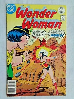 Wonder Woman Vol 36 No. 232 June 1977 DC Comics First Print Bronze Age VF- (7.5)