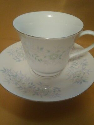 VINTAGE TEA CUP AND SAUCER SET BLUE FLORAL/GOLD made in China Fine China