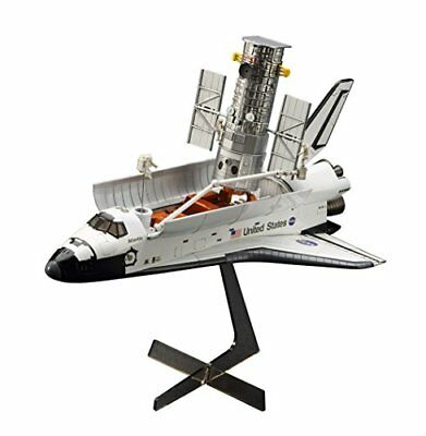 Hasegawa 1/200 Hubble Space Telescope and the Space Shuttle Orbiter w / astrona