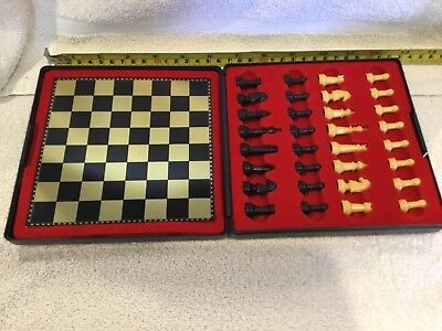 Vintage Magnetic Chess in Case AJEDREZ Magnetico