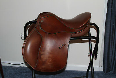 Crosby XL 18 Inch English saddle
