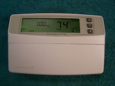 Honeywell T8602D2018 Chronotherm IV  Programable Thermostat T8602D