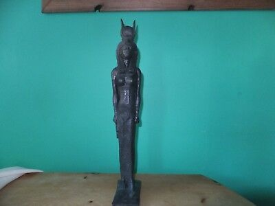 Very Beautiful Statuette Of The Ancient Egyptian Mother Goddess Isis (Repro).