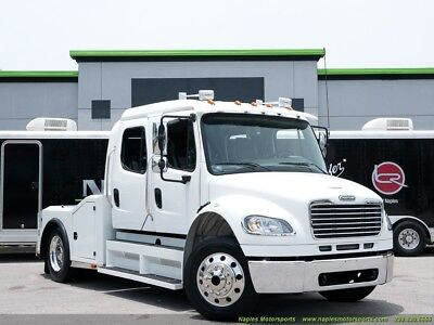 2007 Freightliner M2 106 Hauler Business Class - Limo Style interior