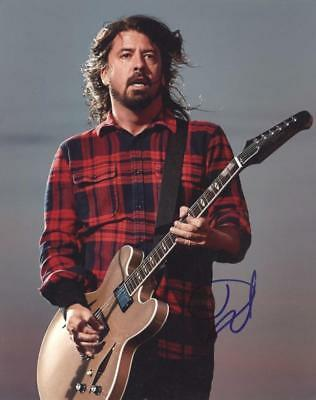 DAVE GROHL - Foo Fighters GENUINE AUTOGRAPH UACC (HA20100)