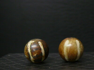 (dL127d) Burma  2 Old round PUMTEK beads  made of fossilized palm wood