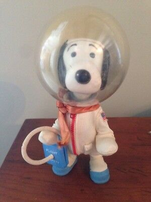 Peanuts 1969 Astronaut Snoopy - Complete NASA outfit - Great Condition