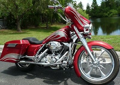 2002 Harley-Davidson Touring  2002 HARLEY CUSTOM SHOW AND MAGAZINE WINNER. THOUSANDS IN EXTRAS. SHIP WORLDWIDE