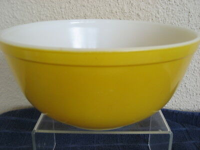 "Vintage  Pyrex Citrus Yellow 403 Bowl 2.5qt Ovenware 8.5"" Diameter USA"