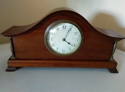 Vintage/Antique Mahogany French Pillared Mantle Clock