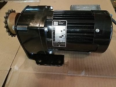 BODINE  Electric Gearmotor Chicago USA.   1/6 HP. 28 RPM. Ratio 60:1. Torq 270lb