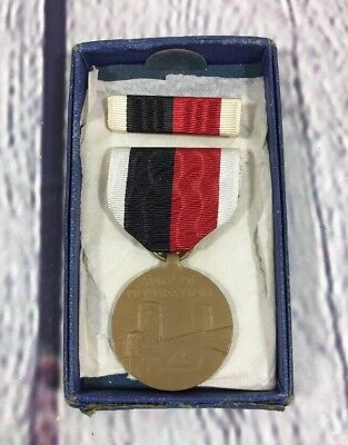 Vintage 1945 Army of Occupation Medal w Ribbon Bar and Box / Embossed Military
