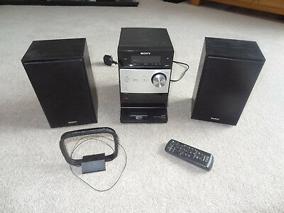 Sony CMT - FX300i Mico Hi-Fi System Radio Stereo ipod Dock Mp3 Player