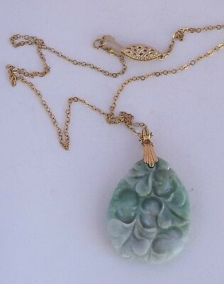 Large hand carved double sided Jade pendant & chain necklace 14k yellow gold