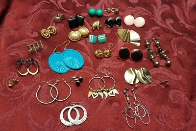 LOT of Beautiful Vintage Women's Costume Jewelry Earrings in good condition