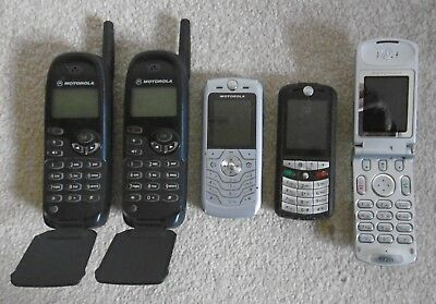 JOB LOT OF 5 x VINTAGE MOTOROLA MOBILE PHONES - FOR PARTS SPARES COLLECTING ONLY