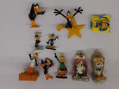 10-Count Looney Tunes Daffy Duck Figures Lot - Lot 4