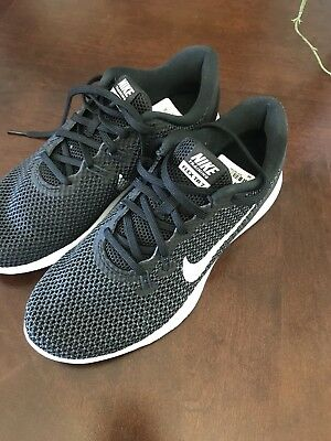 New Women's Nike black sneakers, size 6, never worn, bought at Nordstroms Rack