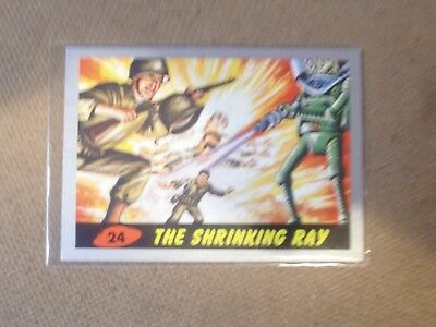 "Mars Attacks 2012 Topps/heritage Silver Border # 24 "" The Shrinking Ray Ungraded"