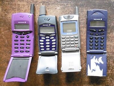 JOB LOT OF 4 x VINTAGE SONY ERICSSON MOBILE PHONES - PARTS SPARES COLLECT ONLY