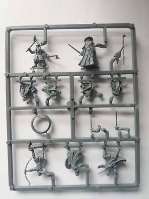 Lord of the Rings Games Workshop - Fellowship of the Ring Figures (on spruce)