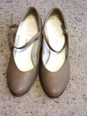 WOMENS Capezio The Dancemaker Tap shoes, TAN LEATHER MARY JANES 8M