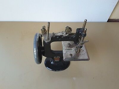 VINTAGE childs TOY PETER PAN CHILDS SEWING MACHINE