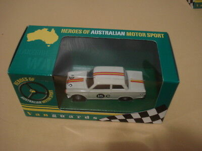 Vanguards/Corgi -VA07302. Bob Jane Bathurst Ford Cortina MK1.