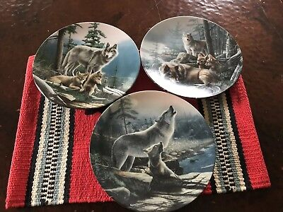 Set Of 3 Kevin Daniels Wolf Plates