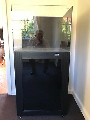 """Cade 24"""" Tank and Stand used in excellent condition"""