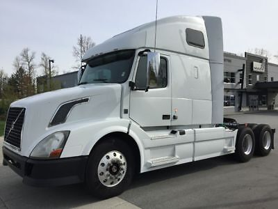 2011 VOLVO VNL 670 725,762 Miles Automatic FINANCING AVAILABLE