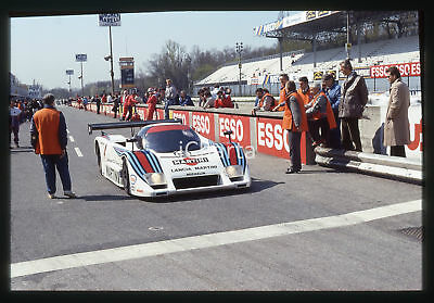 35mm vintage slide* 1986 360 KM MONZA LANCIA LC2/85 Martini Racing - Pit lane