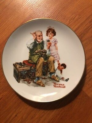 VINTAGE AUTHENTIC 1984 Norman Rockwell The Cobbler Collector Decorative Plate
