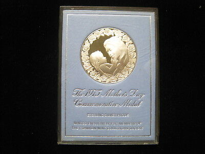Commemorative Medal 1975 Mother's Day Sterling Silver Proof Franklin Mint Medal