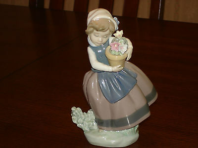 """Lladro """"Spring Is Here"""" Figurine #5223"""
