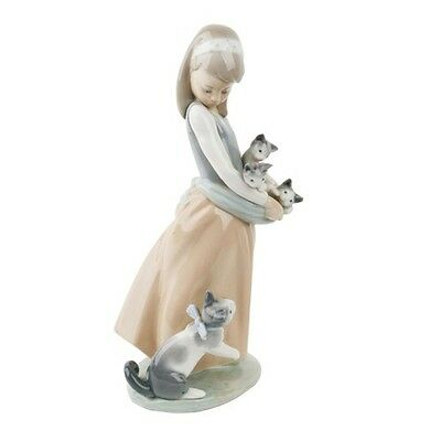 """LLADRO """"Following Her Cats"""" #1309 Young Girl Holding Kittens w/ Cat Retired"""
