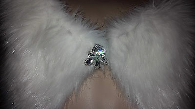 New White Faux Fur Wrap/Stole/Shawl with Diamante Clasp UK seller