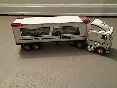 1997 Hess Toy Truck & 2 Racers & Hess bag.