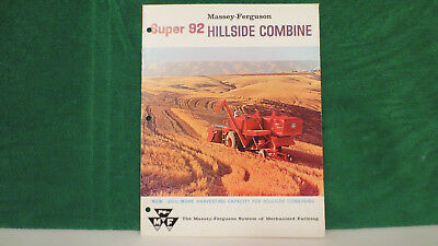 Massey Ferguson Hillside Combine on Model Super 92 from 1961, very nice.