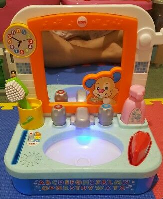 Fisher Price Brush Teeth Wash Face Hands Training Toddler Baby Musical Toys