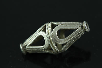 (dB678) Tibet:   Old  Sterling Silver Bead Pendant
