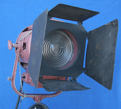 Mole Richardson Junior 2K or 1K Fresnel Tungsten Light w/Barndoors ...Works good