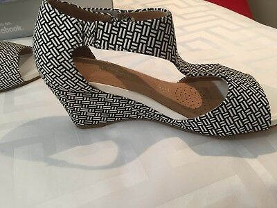 BNIB - Size 9 Black & White Wedge Shoes - Step on Air - RRP $89.95